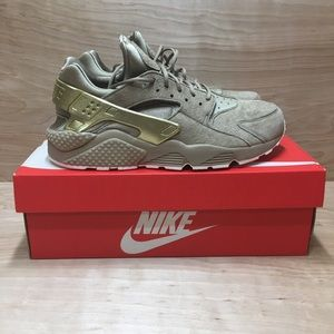 "NIKE AIR HUARACHE ""GOLD RUSH"" SZ 9.5 KHAKI METALLI"